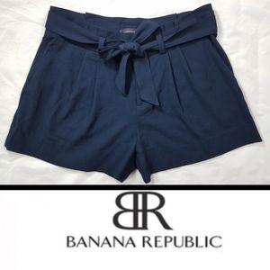 NWOT Banana Republic Navy Belted shorts sz. 8